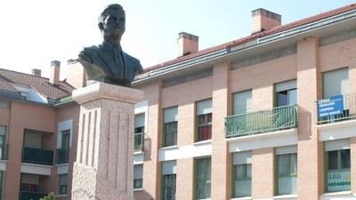 Arroyomolinos rindió homenaje a D. Adolfo Suárez González con el descubrimiento de un busto en su honor