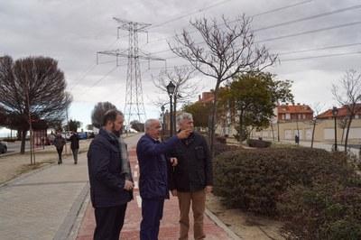 Arroyomolinos continúa trabajando en posibles soluciones para el desvío de la línea de alta tensión que cruza el casco urbano