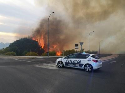 Arroyomolinos sufre un aparatoso incendio esta tarde de domingo 2 de junio