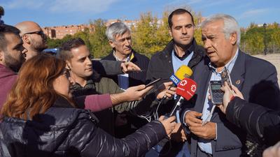 El Alcalde de Arroyomolinos, Carlos Ruipérez, propone una mesa de diálogo con todas las partes implicadas para actualizar el convenio sobre el desvío de las Torres de Alta Tensión.