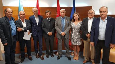 El Alcalde de Arroyomolinos, Carlos Ruipérez, se reúne con el Colegio de Farmacéuticos de Madrid