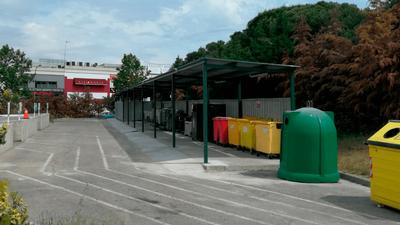 El Ayuntamiento de Arroyomolinos realiza obras de mejora  en el Punto Limpio del municipio