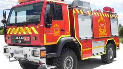 Los servicios de emergencias han continuado los trabajos para refrescar la zona del incendio que sufrió Arroyomolinos el 2 de junio