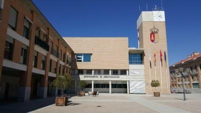 Los servicios sanitarios del 112 atendieron al Alcalde de Arroyomolinos, Carlos Ruipérez, de urgencia este jueves 5 julio en dependencias municipales