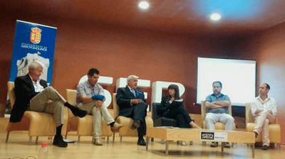 """El alcalde inaugura el nuevo formato de Ser Madrid Oeste """"Hablamos de... Arroyomolinos"""""""