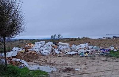 El Ayuntamiento ha reforzado la vigilancia en este punto y en el poblado de Las Sabinas para evitar que se produzcan más vertidos ilegales