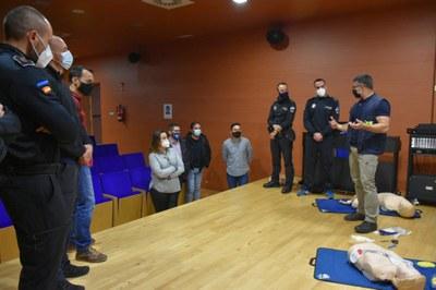 La totalidad de la plantilla de Policía Local recibe un curso que acredita su formación en primeros auxilios a adultos, niños y lactantes