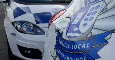 Policía Local de Arroyomolinos sorprende a tres jóvenes intentando acceder a viviendas