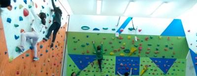 Arroyomolinos cuenta con una nueva sala indoor de escalada en La Dehesa