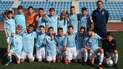 """El equipo Infantil C de fútbol de Arroyomolinos recibe el premio a """"Mejor comportamiento deportivo"""" por la Real Federación de Fútbol de Madrid"""