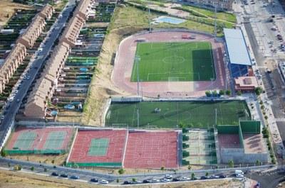 El Ayuntamiento aborda la contratación temporal de los monitores de fútbol