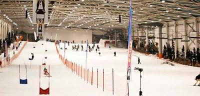 En Arroyomolinos acabamos el año practicando esquí y Snow