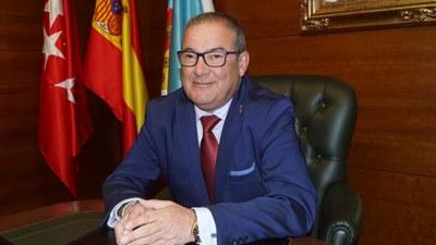 Entrevista al Concejal de Empleo, José Vicente Gil, en el 99.8 FM sobre las jornadas de orientación formativa y laboral.