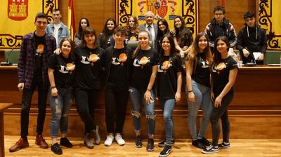 Los jóvenes de Arroyomolinos hablan de igualdad en el Salón de Plenos del Ayuntamiento