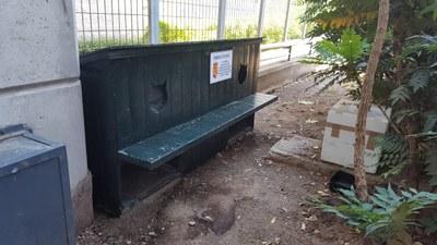 Instalamos casetas refugio para las colonias felinas para garantizar el control y cuidado de los gatos ferales