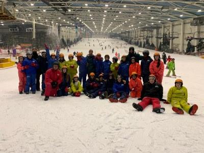El Ayuntamiento de Arroyomolinos colabora con Madrid Snow Zone y FunBox Snowboard Club en una iniciativa de ocio inclusivo