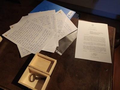 """""""Espero y deseo que a través de estos mensajes, cartas y dibujos que hoy hemos guardado, podáis entender un poco mejor como fue este año en nuestro, en vuestro, municipio"""", ha asegurado Ana Millán."""