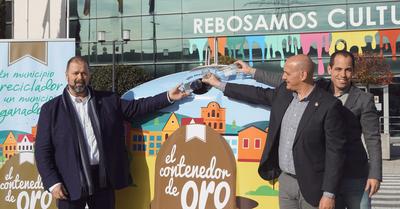 """El Ayuntamiento de Arroyomolinos y Ecovidrio impulsan el reciclaje de vidrio con """"El Contenedor de Oro"""""""