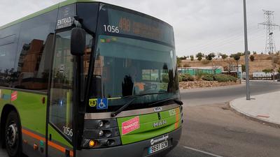 Una mejora del transporte público de Arroyomolinos que responde a un compromiso del Equipo de Gobierno. Esta mejora no llega sola, viene acompañada de la inclusión de un nuevo itinerario nocturno directo con Madrid (búho).