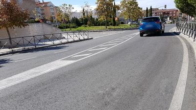 Durante los próximos 2 meses y medio se va a actuar sobre 20 kilómetros de asfalto en 14 calles. La primera actuación en la Avenida del Mediterráneo.