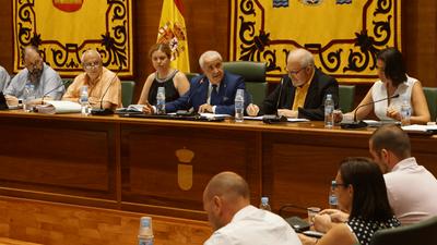 Carlos Ruipérez renuncia al cargo de Alcalde de Arroyomolinos y a su acta como Concejal ante el Pleno del Ayuntamiento