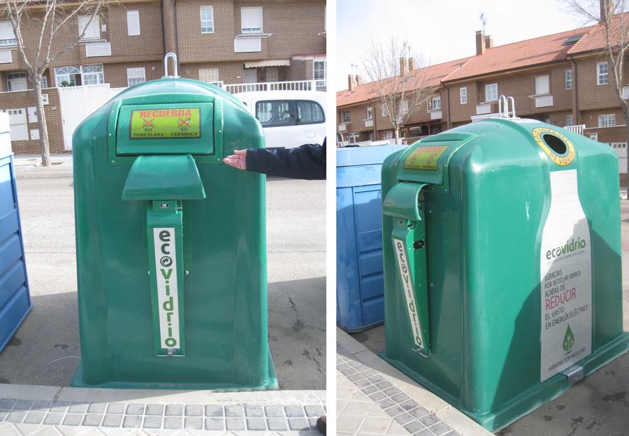 Instalación de nuevos contenedores de vidrio en Arroyomolinos